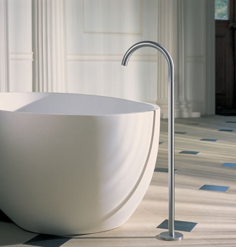 FS1 - Free-standing bath mixer by VOLA