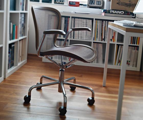 Annett swivel chair by Magis