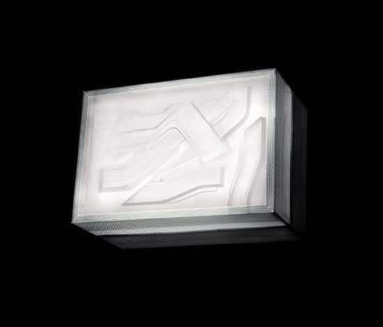 Maxxi wall lamp by Kundalini