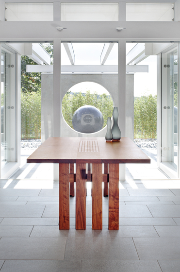 Ippongi Dining Table de Conde House