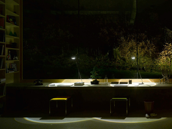 Sento tavolo halogen by Occhio