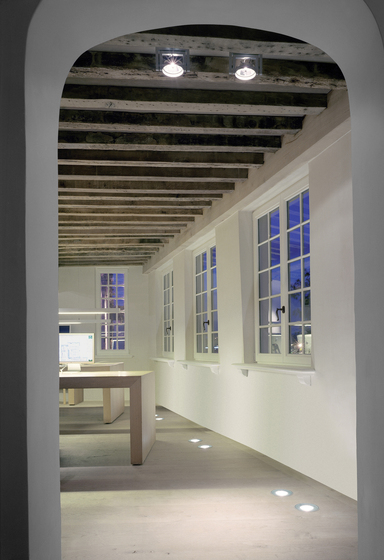 Up ceiling/wall de Kreon