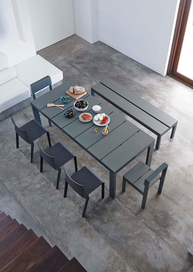 Na Xemena High Pada Table by GANDIABLASCO