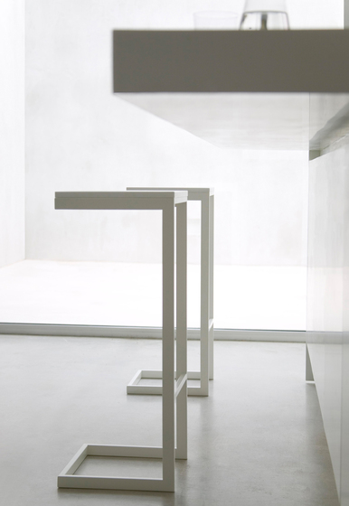 Luna table* by GANDIABLASCO
