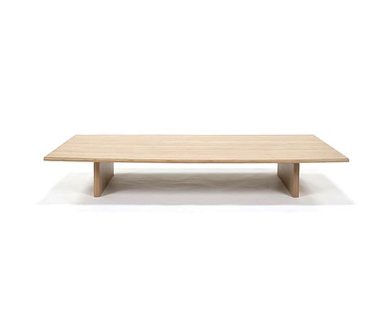 Omo dining table by TEORI