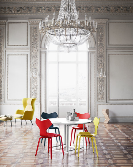 Grand Prix™ | 3130 coloured ash by Fritz Hansen