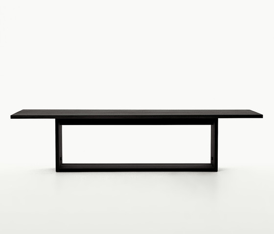 Argo Tables by Maxalto