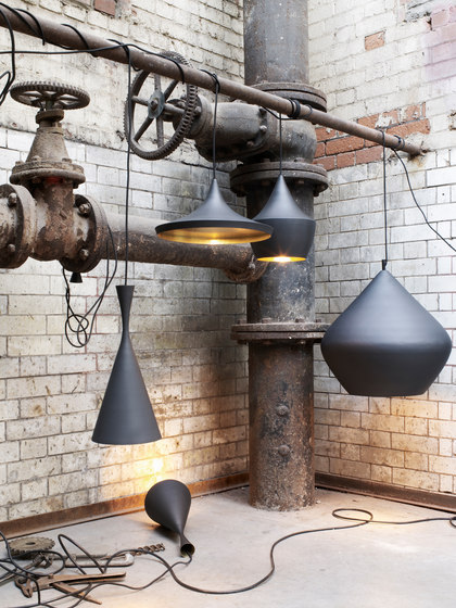 Beat Stout Pendant Black de Tom Dixon