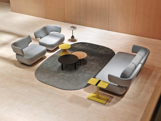 Levitt armchair di viccarbe