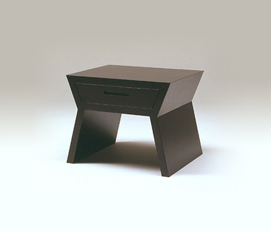 Akimbo extension table by Conde House