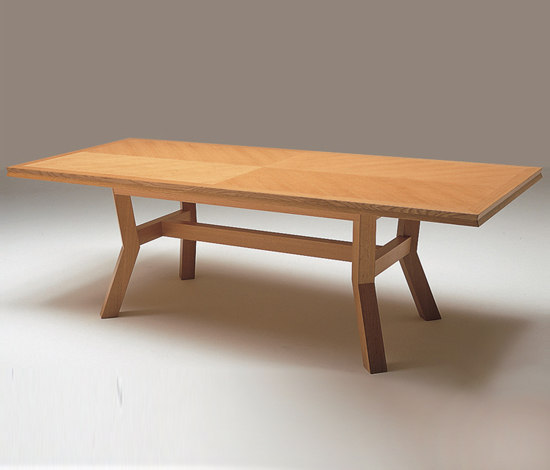 Akimbo coffee table by Conde House