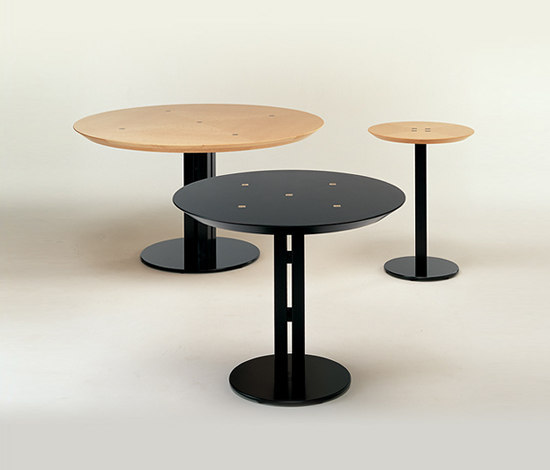 Discus table di Conde House