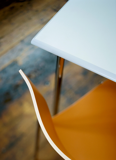 Quickly Basic Folding Table by Lammhults