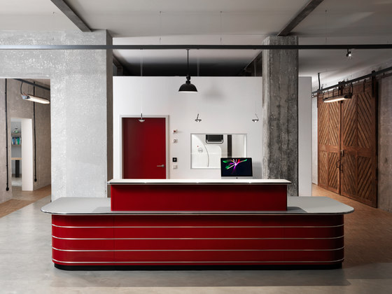 Classic Line TB Reception desk by Müller Möbelfabrikation