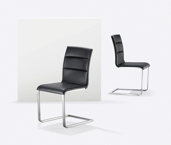 LYNN S Cantilever chair by Girsberger