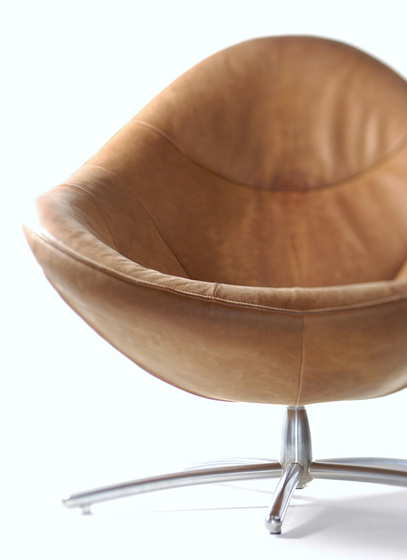 Hidde armchair by Label