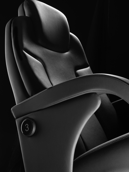 9113 Megaseat by FIGUERAS