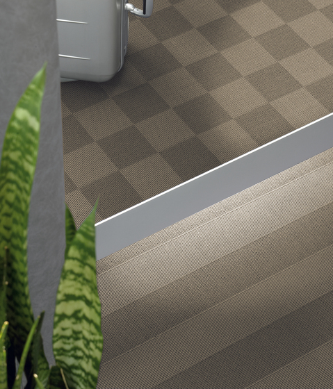 Sqr Nuance Mix Ebony by Carpet Concept