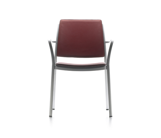 E-motive stackable chair by AKABA
