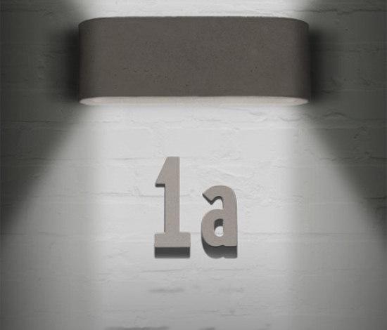 Concrete letterbox de Serafini