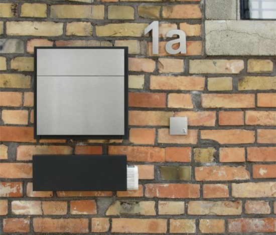 Line One letterbox by Serafini