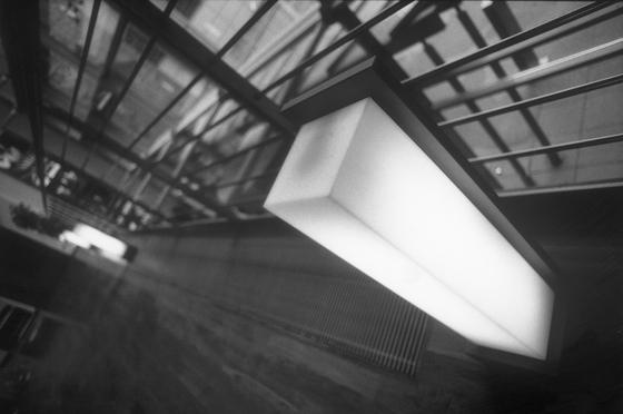 Cassino Luminaria mural y de techo superpuesta de Hess