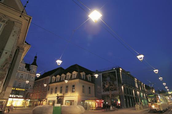 Faro UE 720 Luminaire suspension caténaire de Hess