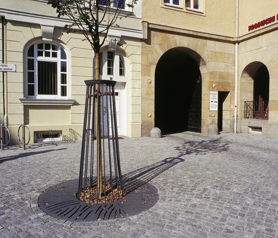 Serpo 5,0 - K1500 / R620 - D Tree-grate by Hess