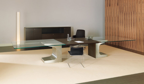 Niemeyer | Meeting Table de Estel Group