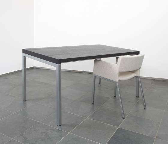 BB Table and Bench by spectrum meubelen