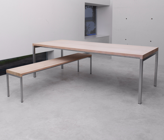 BB Table and Bench di spectrum meubelen
