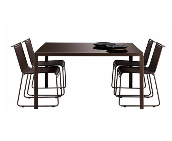 Clip low table di Bivaq