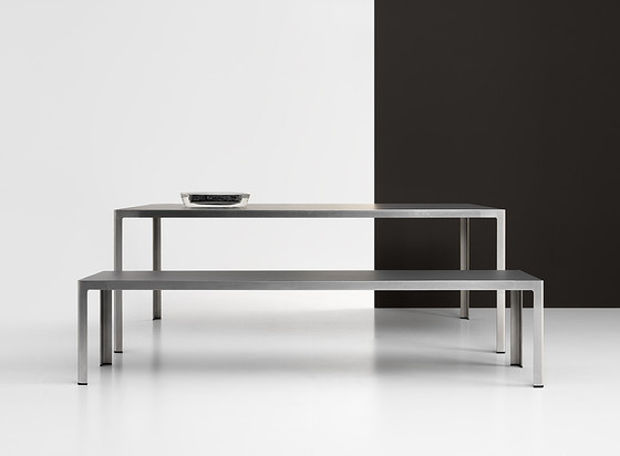 Unox table by Bivaq