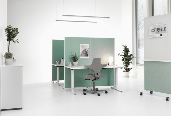Alumi Table Screen by Abstracta