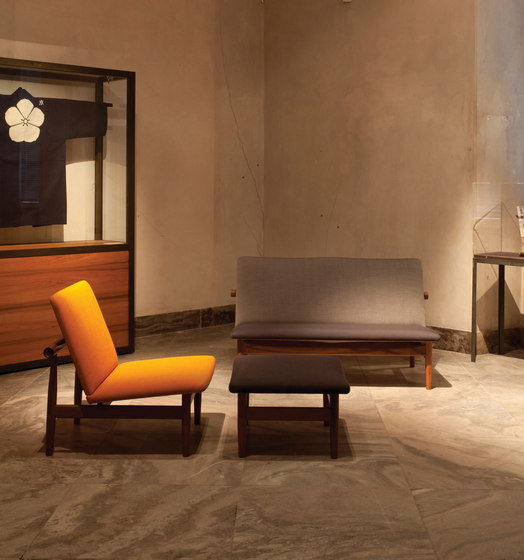 Japan Chair and Footstool di onecollection