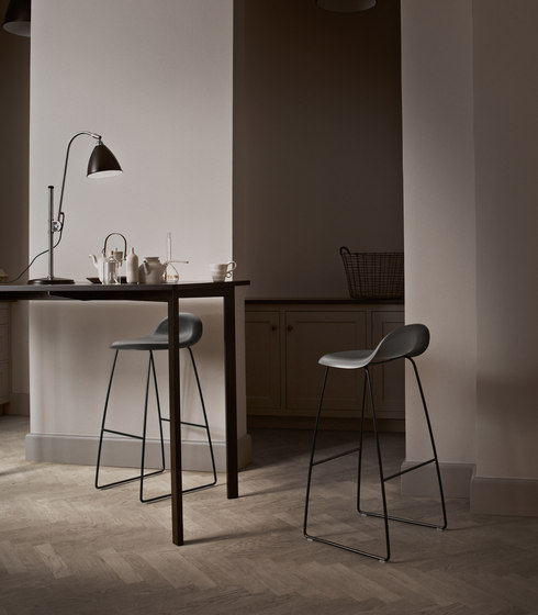 Gubi Stool – Sledge Base di GUBI