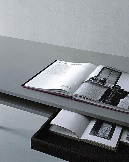 Nancy table by PORRO