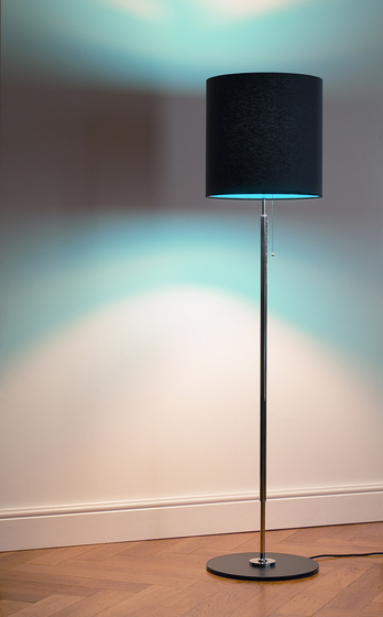 STLWS floor lamp by Tecnolumen