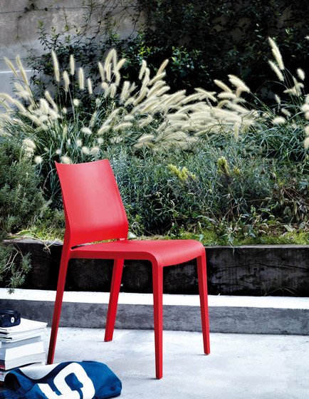 Riga chair by Desalto