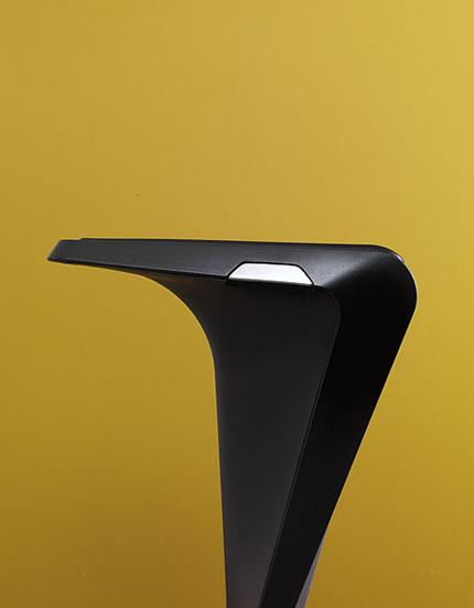 Dart Bar stool by Kristalia