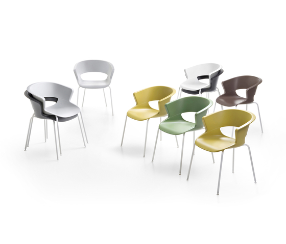 Zed 4 legs stackable in polypropylene by Maxdesign