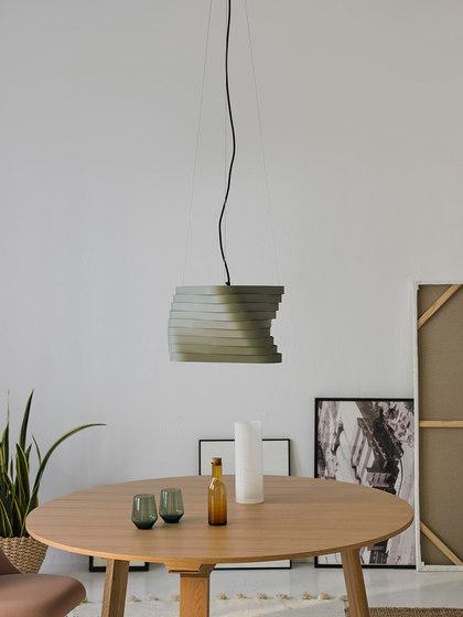 Boomerang hanging lamp de almerich