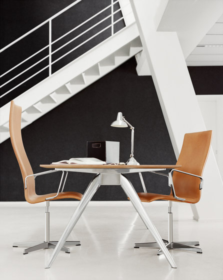 T-No.1™ | TB7 by Fritz Hansen