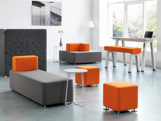 b free sit stand swivel stools from steelcase architonic. Black Bedroom Furniture Sets. Home Design Ideas