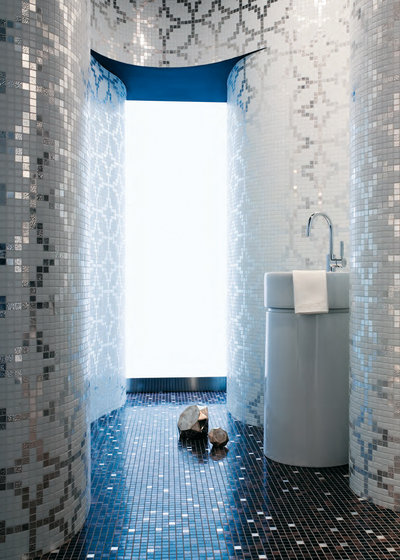 Etoiles Nero mosaic by Bisazza