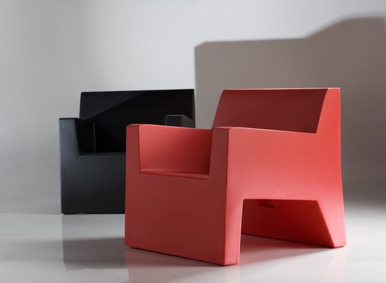 Jut stool by Vondom