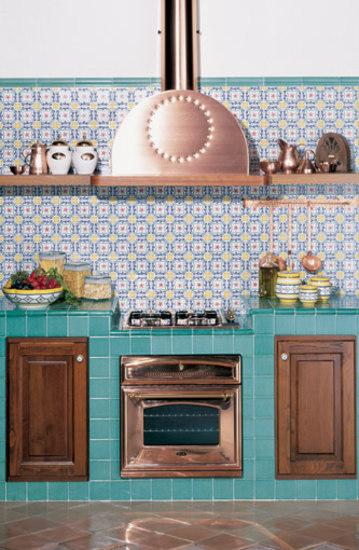 Sm332 piastrelle pareti giovanni de maio architonic - Piastrelle vietri cucina ...