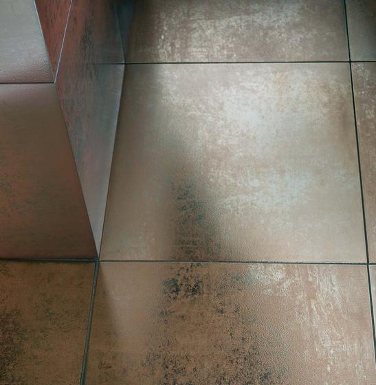 Titanium 45,7x45,7 di Iris Ceramica
