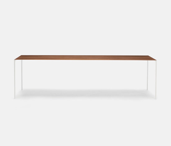 Surface Table de Established&Sons