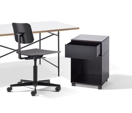 Mr. Square working chair di Lampert